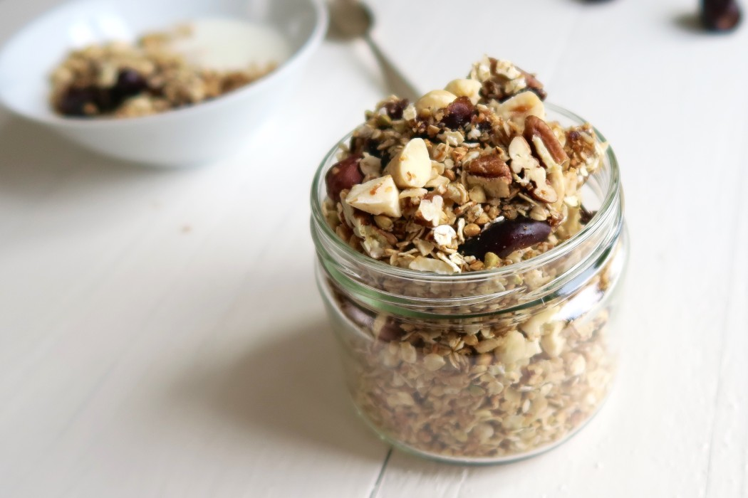 Karamel zeezout granola uit de pan