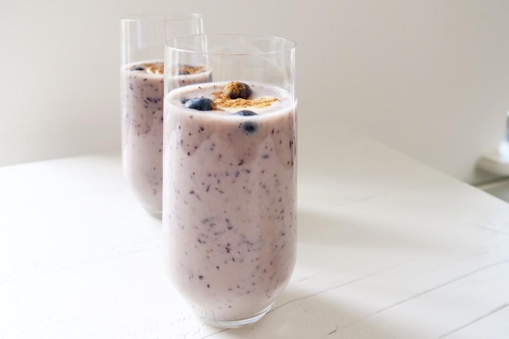 Romige blauwe bessen smoothie / In perfecte conditie - Ellen hoog