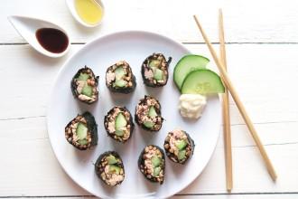 Tuna sushi met linzen, komkommer en mierikswortel