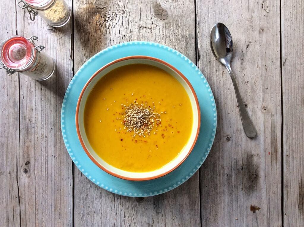 Wortelsoep met kokos en gember, Gezonde foodblogs, Gezonde soep recepten, Beaufood recepten, Vegetarische soepen, Lunchen zonder brood, Glutenvrij avondeten, Lekkere soep recepten wortel gember