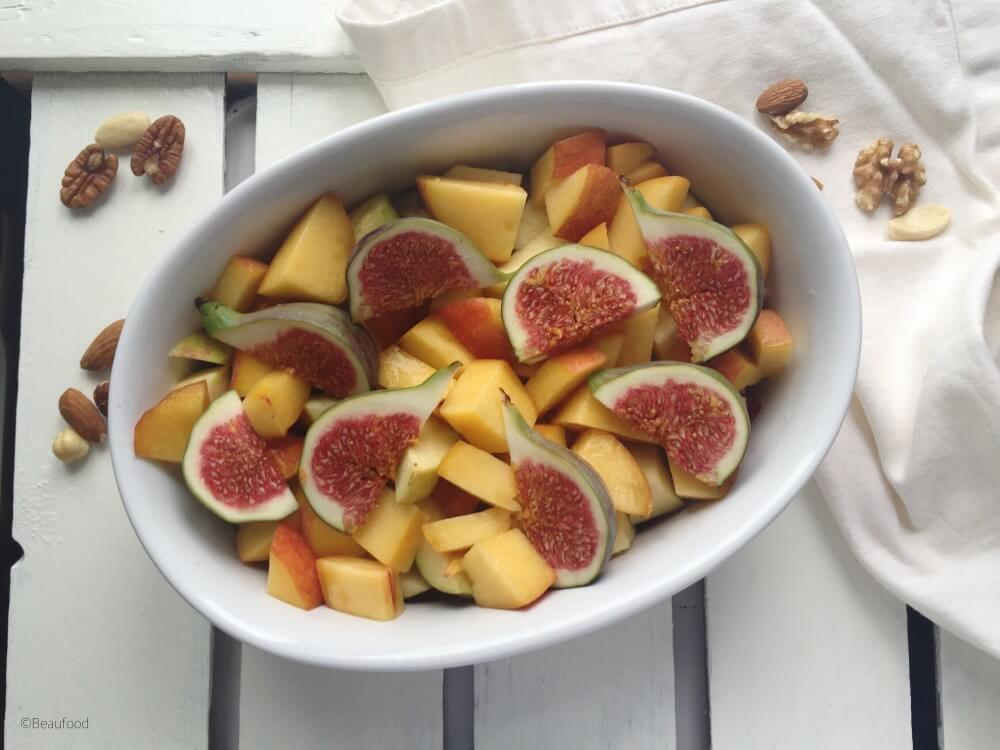 Warme fruit crumble uit de oven