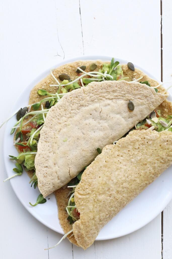 Wraps met guacamole en zonnebloemkiemen