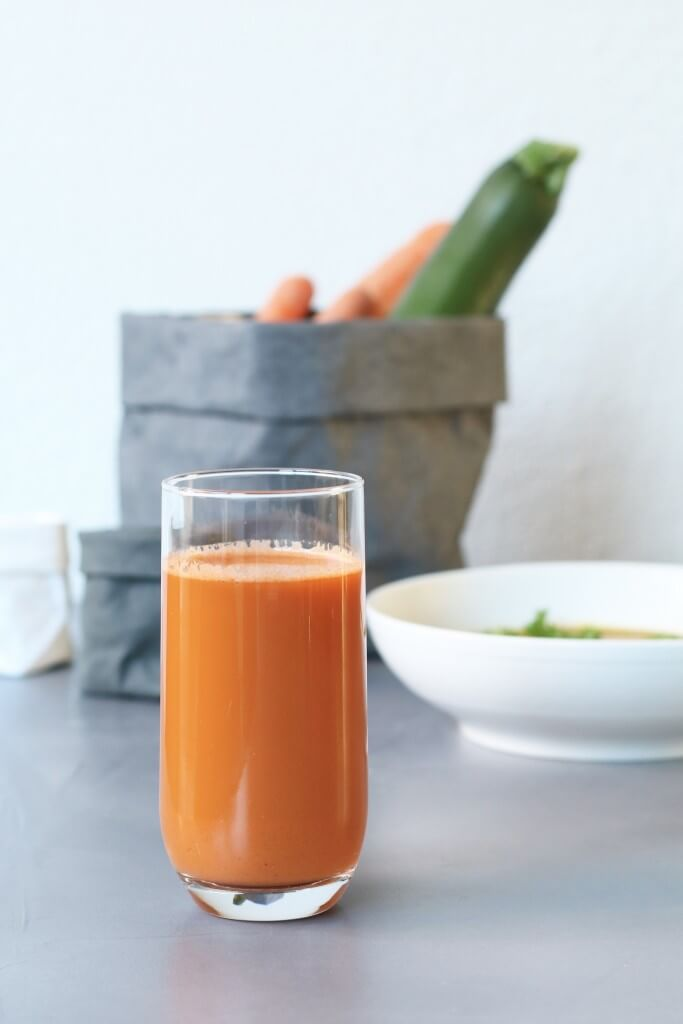 Slowjuice sapje met wortel en gember + soep recept, Slowjuicer van SuperJuicer, Lekkere slowjuice sapjes, Pulp slowjuice recepten, Gezonde foodblogs, Beaufood recepten, Goedkope slowjuicers, Slowjuice met gember