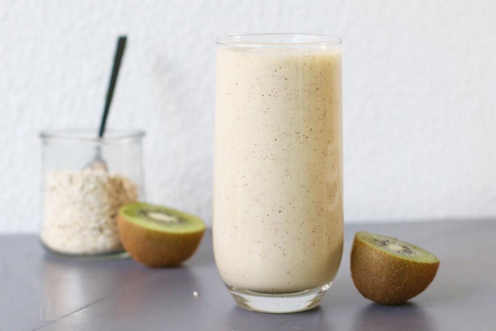 Ontbijtsmoothie met kiwi en banaan, gezonde smoothie recepten, Gezonde ontbijt recepten, Ontbijten zonder brood, Havermout fruit recepten, Gezonde fooblogs, Beaufood recepten