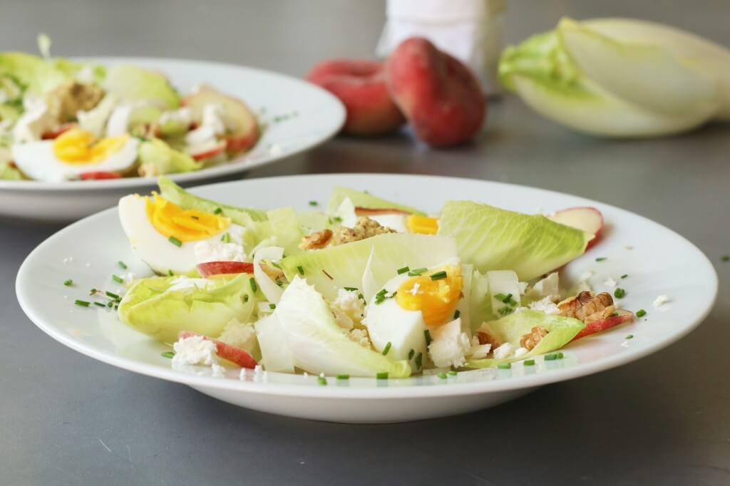 Salade rauwe witlof met perzik en feta, Gezonde salades, Salade recepten, Gezonde foodblogs, Beaufood recepten, Glutenvrije foodblogs, Salades witlof maken