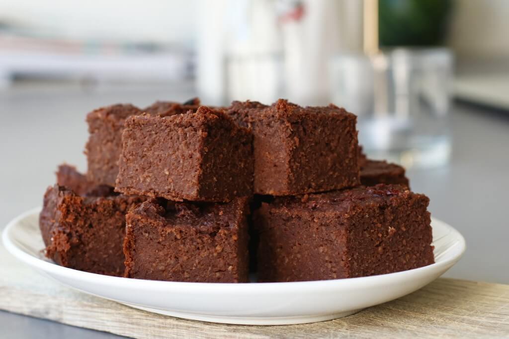 Beaufood recepten, Brownie zonder ei, Gezonde brownie bakken, Glutenvrije brownie recepten, Glutenvrije foodblogs, Vegan bakrecepten, Vegan karamel brownie met zeezout