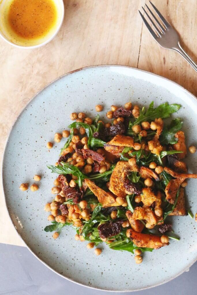 Salade van kikkererwten en pompoen uit de oven, Vegan uit de oven, Veganistische recepten, Vegan avondeten, Vegetarisch avondeten, Recepten van Deliciously Ella, Beaufood recepten, Gezond avondeten, Glutenvrije maaltijden