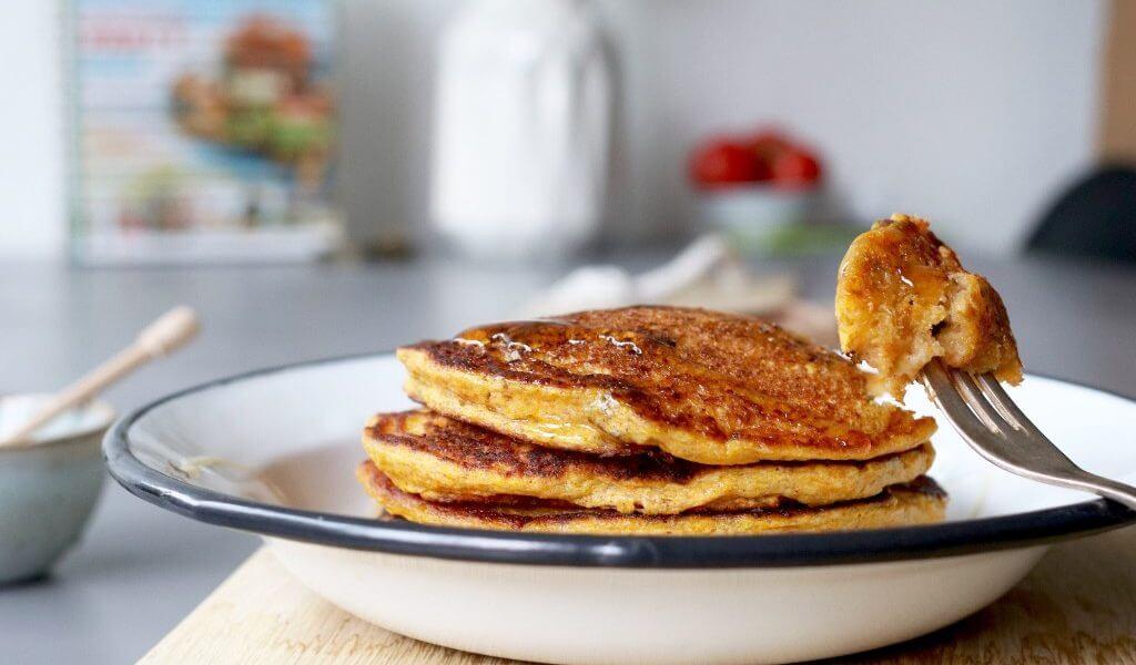 Pompoen pannenkoekjes met rozijnen, Antiliaanse pannenkoeken, Pumpkin pancakes, Glutenfree pancakes, Glutenvrije pannenkoeken rozijnen, Beaufood recepten, Glutenvrije arepa di pampuna, Pannenkoeken karnemelk