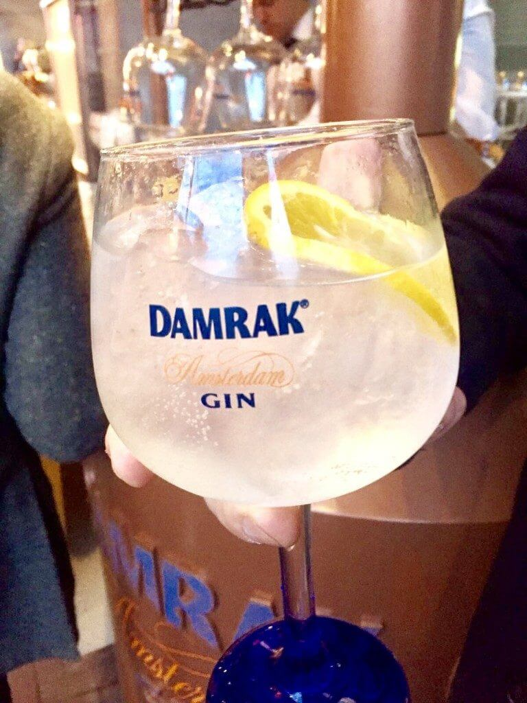 3 x mijn lievelings gin & tonic's + win een G&T sloepvaart door de Amsterdamse grachten met The best DAM boat!, Sloepvaren Amsterdam, Sloepvaart met gin & tonic, Amsterdam gin boot, Nice boattrips Amsterdam