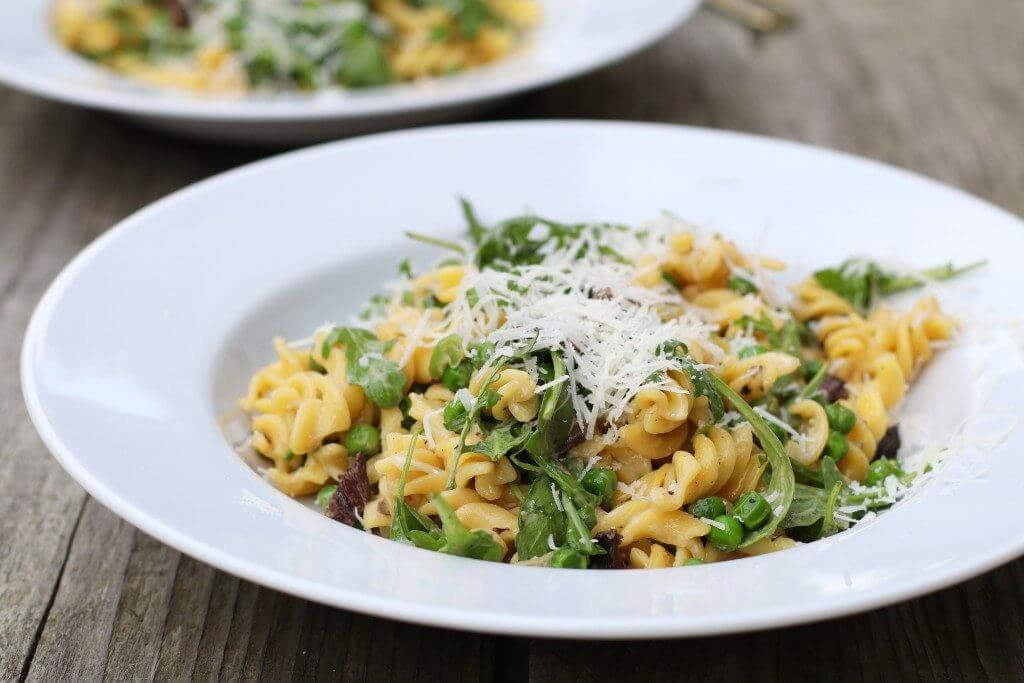 Koude pastasalade met eekhoorntjesbrood enpecorino, Glutenvrije pasta recepten, Gezonde foodblogs, Beaufood recepten, Pasta met porcini, Glutenvrije foodblogs