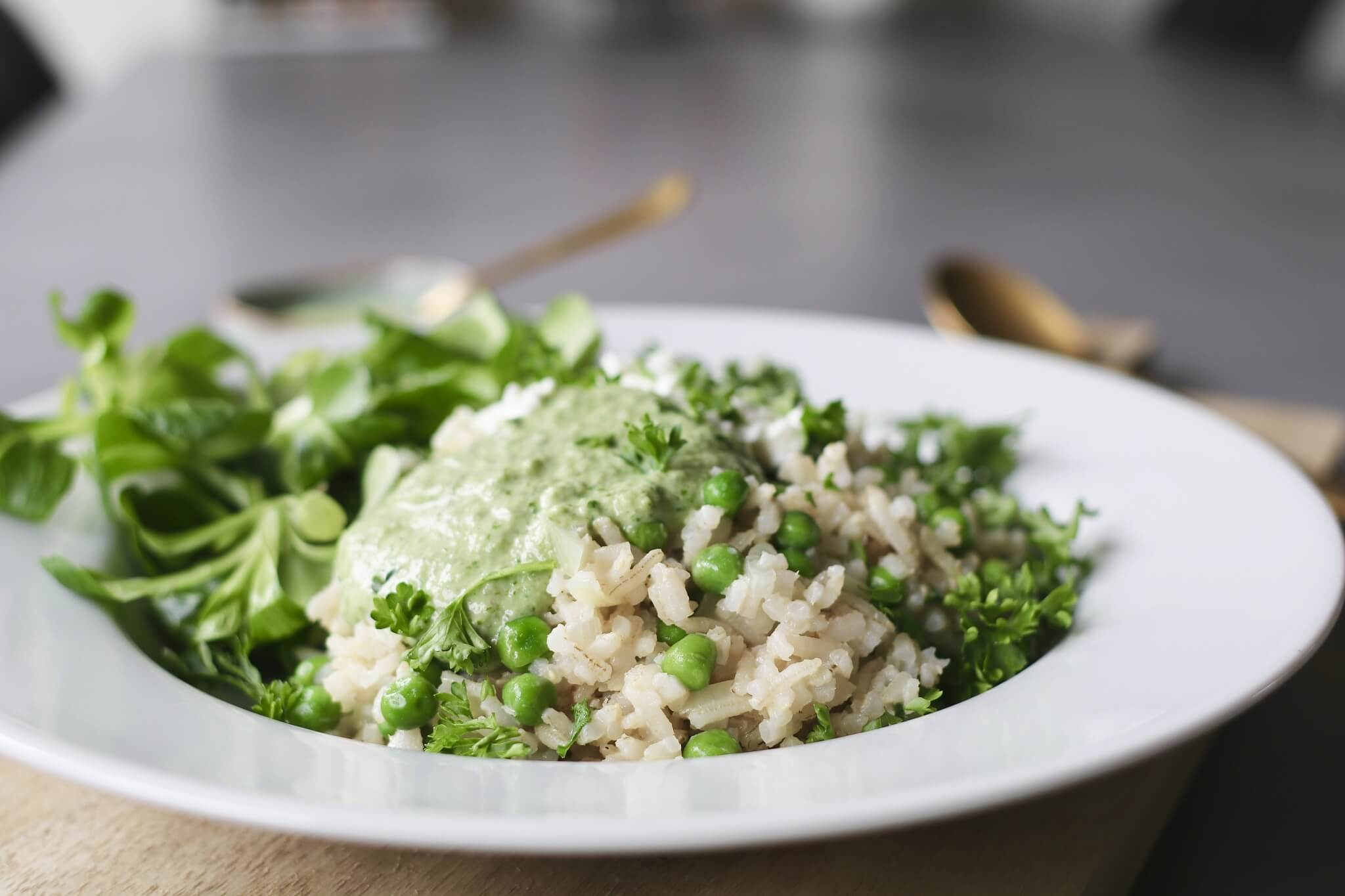 Groene pesto risotto met Hüttenkäse, Gezonde risotto recepten, Gezonde foodblogs, Gezonde avondmaaltijden, Slanke avondmaaltijden, Risotto doperwten