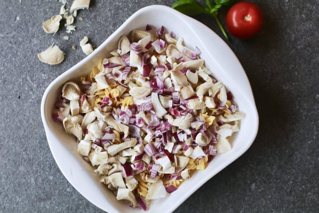Pasta pesto ovenschotel, Gezonde pasta recepten, Looye tomaten, Gezond avondeten, Gezonde foodblogs, Glutenvrije foodblogs, Recepten JOYN tomaten, Gezond en lekker avondeten