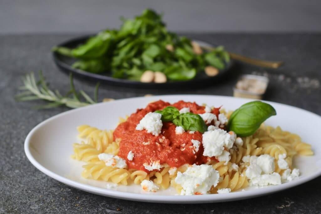 Pasta met geroosterde paprikasaus, Gezonde pastasaus, Zelf pastasaus maken, Beaufood recepten, Gezond Italiaans eten, Glutenvrije foodblogs, Gezond avondeten