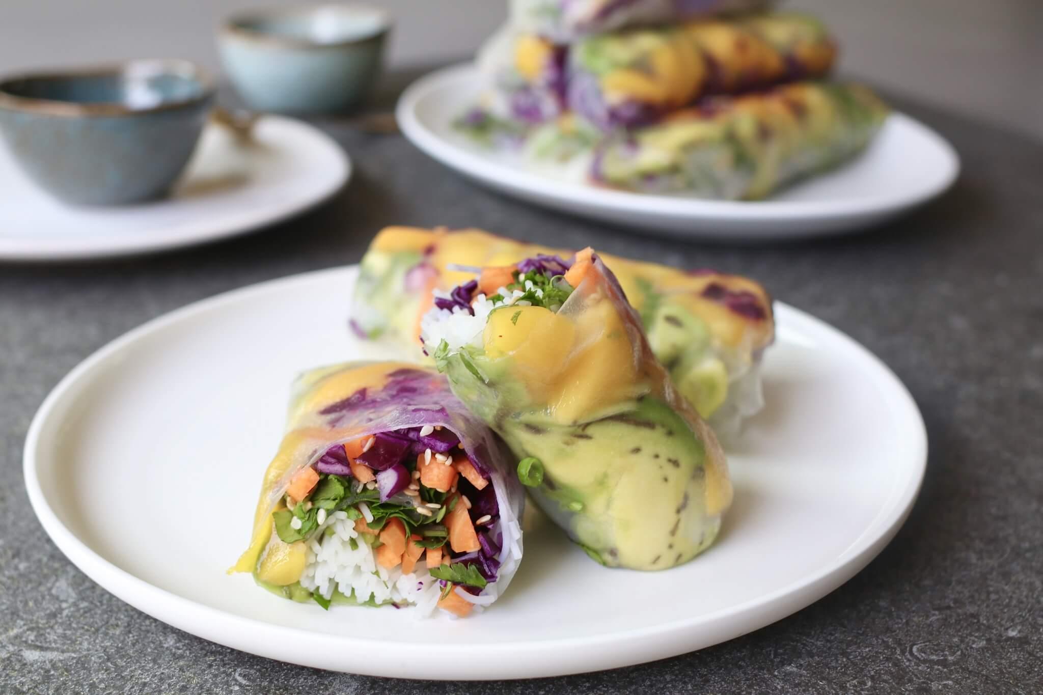 Vietnamese springrolls met mango en avocado, Gezonde springrolls, Gezond avondeten, Springrolls rollen, Beaufood recepten, Lente recepten