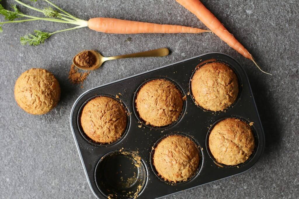 Carrot cakejes met cashewfrosting, Glutenvrije bakrecepten, Gezonde tussendoortjes, Suikervrij bakken, Glutenvrije bakken, Beaufood recepten, Gezonde fooblogs, Gezonde traktaties kinderen